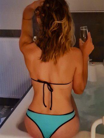 Bubble bath with erotic massage